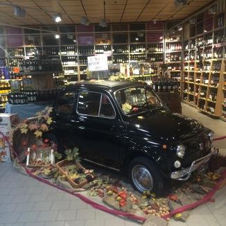 Fiat 500, in a supermarket...
